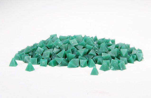 1. Green pyramid tumbling media