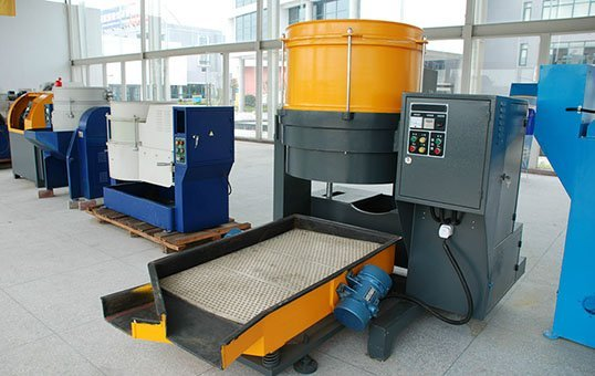 CD series centrifugal disc finishing machine with discharge
