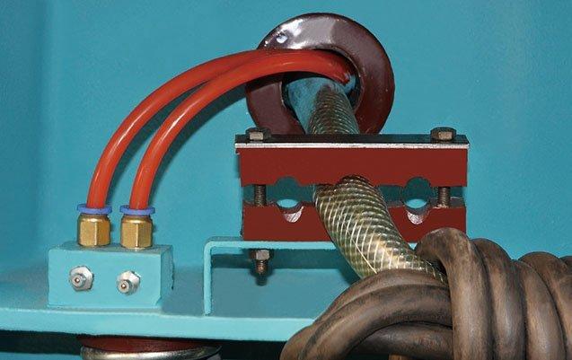 Vibratory polishing machine greasing point