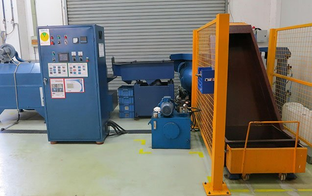 deburring and drying vibratory finishing production line