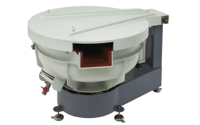 vibratory finishing machine with sound cover