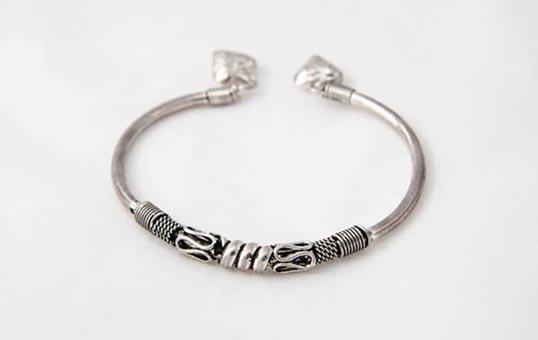 silver jewelry ring polishing