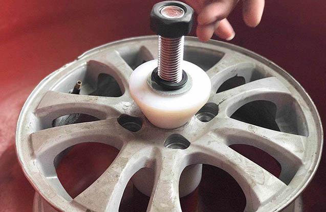 wheel vibratory finishing machine with aluminum wheel